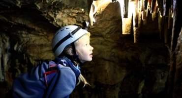 Спуск в пещеры Красивая и Пикетная.